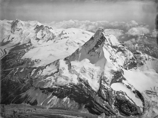 CH-NB_-_Matterhorn_-_Eduard_Spelterini_-_EAD-WEHR-32053-B.tif